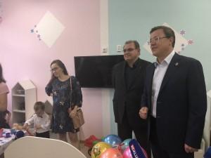 Дмитрий Азаров посетил в Тольятти детский «Алиса», где в рамках реализации национального проекта «Демография», открылась новая ясельная группа.