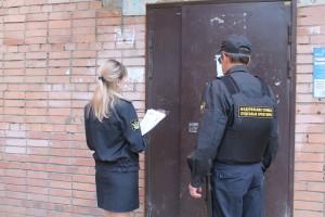 Судебные приставы Советского района Самары провели рейд совместно с управляющей компанией по должникам за ЖКХ