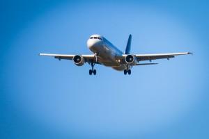 В воскресенье утром самолет Як-42 экстренно приземлился в аэропорту