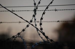 Тверской суд Москвы отправил Устинова на 3,5 года в колонию общего режима за применение насилия к омоновцу во время несанкционированной акции в Москве 3 августа.