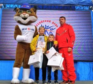 Зинаида Викторовна Рожнова, ей 81 год, она пробежала 4 километра!