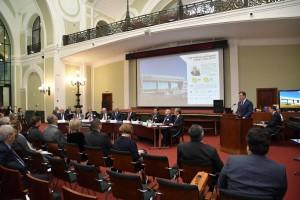 Губернатор отметил, что регион интегрирован в мировую экономику – доля внешнеторгового оборота в валовом выпуске составляет 15% и входит в 10-ку крупнейших субъектов РФ по масштабу экономики.