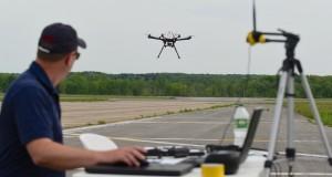 Специалисты покажут студентам, как управлять беспилотными аппаратами самолетного и вертолетного типа.