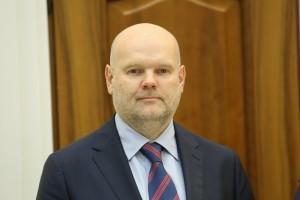 Дмитрий Азаров отметил, что ожидает от Бориса Илларионова конструктивного взаимодействия с творческой общественностью региона и пожелал успехов в работе.