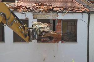 Самарский депстрой подал более 80 исков в арбитражный и районные суды о сносе самовольных построек по всему городу.
