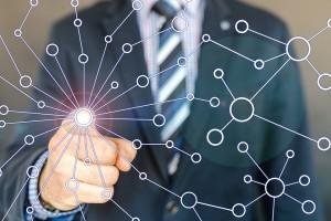 """В Самарском университете разработан специальный программный комплекс для автоматического зондирования общественного мнения в Интернете - """"Социальный эхолот""""."""