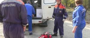 Женщина получила травмы разной степени тяжести, но осталась жива. Её несли полтора километра по горным тропам.