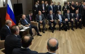 Во время встречи в Сочи лидеры России и Турции обсуждали операцию в Сирии. По словам российского президента, им удалось достичь судьбоносных решений.