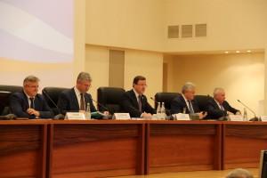 Характеризуя бюджет региона, губернатор отметил его четкую социальную направленность и ориентированность на устойчивое развитие области.