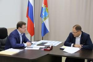 Дмитрий Азаров встретился с главой Чапаевска Виталием Ащепковым.