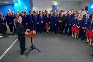 Путин добавил, что рассчитывает на то, что в правительстве появится единый центр поддержки движения WorldSkills и подготовки кадров по рабочим профессиям.