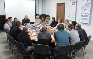 В начале встречи Владимир Бирюков рассказал о наиболее крупных проектах, которые будут реализованы предприятием в ближайшие годы.