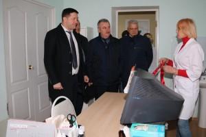 Свой рабочий визит глава ведомства начал с посещения Клявлинского района, где посетил районную больницу и провёл встречу с коллективом.