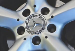 В результате разбоя 51-летний Геннадий Свешников чуть не лишился Mercedes-Benz CLS 350, а нападавшие оказались в СИЗО.