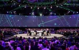 Президент подчеркнул, что разработки в сфере искусственного интеллекта обладают огромным потенциалом и могут стать прорывом для всей цивилизации.