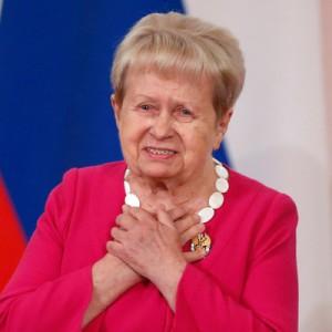 Александра Пахмутова продолжит праздновать юбилей  Сегодня на сцене Большого театра ее поздравят друзья.
