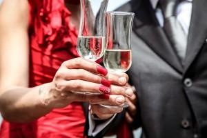 Это в том числе нелегальный алкоголь и традиция чрезмерно выпивать в праздничные дни.