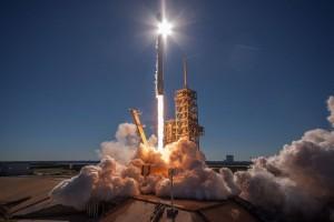 Спустя час после запуска SpaceX подтвердила, что все спутники доставлены на расчетную орбиту.