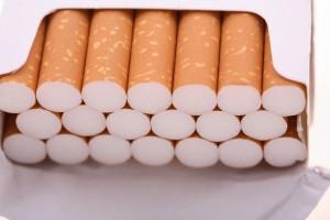 В торговой секции Нины Шишикиной на Русском рынке в Сызрани изъяли контрафактных сигарет на 17 млн рублей.