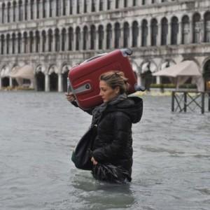 В Италии собирают пожертвования для помощи затопленной Венеции