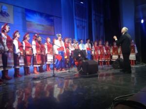 В рамках мероприятия запланирована концертная программа, в которой примут участие национальные творческие коллективы.
