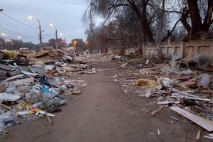 На месте рынка на XXII Партсъезда в Самаре остались только щепки и мусор