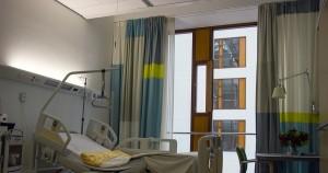 Родственница сообщила, что руководство клиники отказало в её переводе в другое медучреждение из-за долгов.
