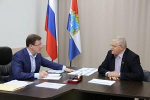 Губернатор Дмитрий Азаров и глава Приволжского района Евгений Богомолов обсудили перспективы развития муниципалитета