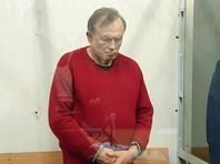 Соколов содержится в двухместной камере вместе с ровесником, обвиняемым в насильственных действиях сексуального характера.