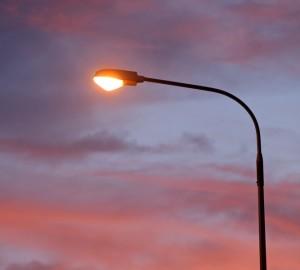 В Самаре вновь передвинули сроки включения освещения на Луначарского
