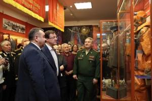 Представлено множество исторических документов, артефактов, элементов обмундирования войск, начиная с периода становления Казанского округа и до наших дней.