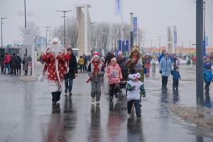 1 января в Самарской Олимпийской Деревне прошел новогодний забег Дедов Морозов