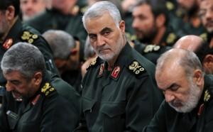 """Министр обороны Амир Хатами пообещал дать """"сокрушительный ответ"""" на гибель генерала."""