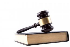 Процесс идет туго — то свидетели не придут, то кого-то из фигурантов в суд не доставят.