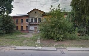 Судя по спутниковой карте, сейчас на этом месте расположен не новый двухэтажный жилой дом.