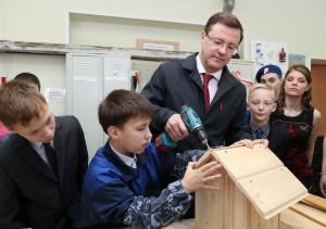 Приехать в гости губернатора пригласил воспитанник Никита Хубларян, с которым глава региона познакомился в ходе акции «Елка желаний».