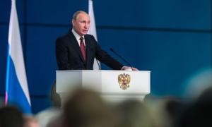 Президент отметил, что послание впервые оглашается в начале года: нужно не откладывая решать социально-экономические проблемы.