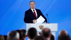 Владимир Путин предложил внести поправки в Конституцию России. Они затронут роль Госсовета, парламента, полномочий президента и статуса чиновников.