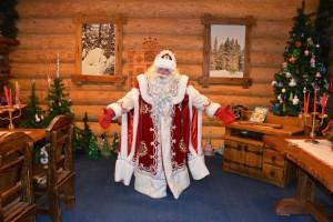 В Великом Устюге делят и никак не поделят Деда Мороза и его имущество. Со стороны ситуация выглядит безобразно.