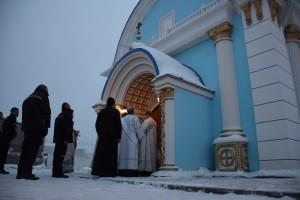 Новая церковь построена осужденными. Они же принимали участие в ее оформлении.