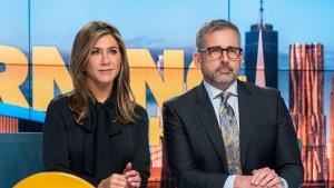 Она играет журналистку Алекс Леви, одну из ведущих Утреннего шоу.