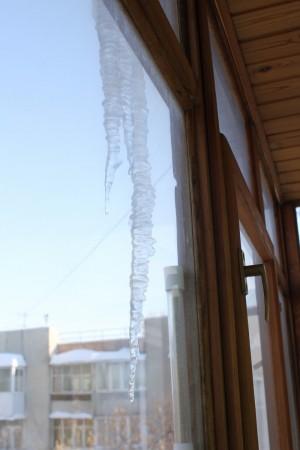 Главное управление МЧС России по Самарской области напоминает об опасности схода снега с крыш!