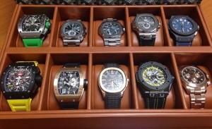 Какие часы принимают в ломбард?