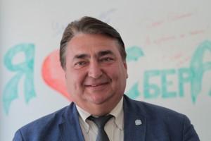 Еще одним самарским человеком в команде президента Ингушетии Махмуда-Али Калиматова стал один из первых самарских банкиров Владимир Сластенин. .