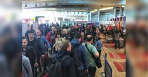 Накануне прилетевший из Хабаровска мужчина оставил в аэропорту двух мальчиков 2011 и 2014 годов рождения.