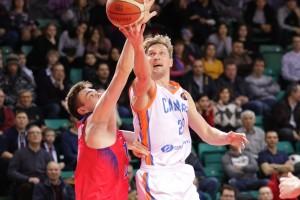 Самарские баскетболисты без потерь прошли трехматчевый марафон