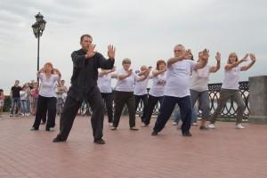 В Самаре пенсионеров бесплатно обучают китайской гимнастике Занятия продлятся до июля 2020 года.