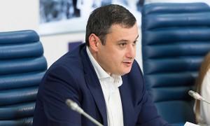 Комментируя это решение, Александр Хинштейн отметил жесткую позицию партии, которая настаивала на увольнении чиновника.