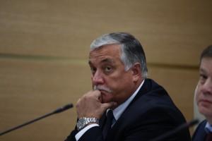 Пять лет, в течение которых Татауров руководил областным УФСБ, запомнились серией задержаний и громких уголовных дел, в первую очередь, коррупционной направленности.