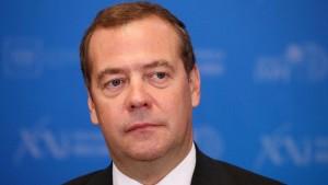 Сам Медведев оценил свои ощущения на новом месте на отлично.